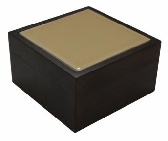Скринька маленька з бежевою плиткою з натурального дерева